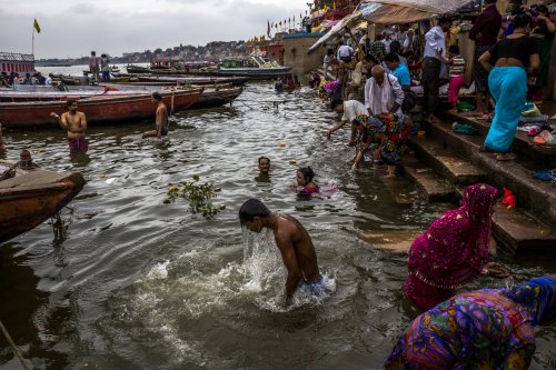 SANITATION - bathing in Ganges River contaminated by human waste