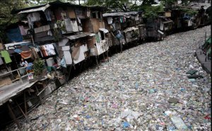Garbage-A-polluted-creek